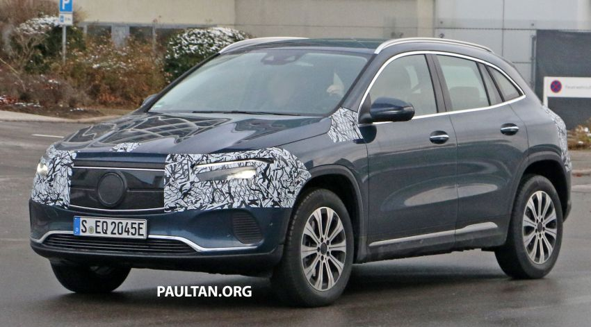 SPYSHOTS: Mercedes-Benz EQA seen with less camo Image #1234606