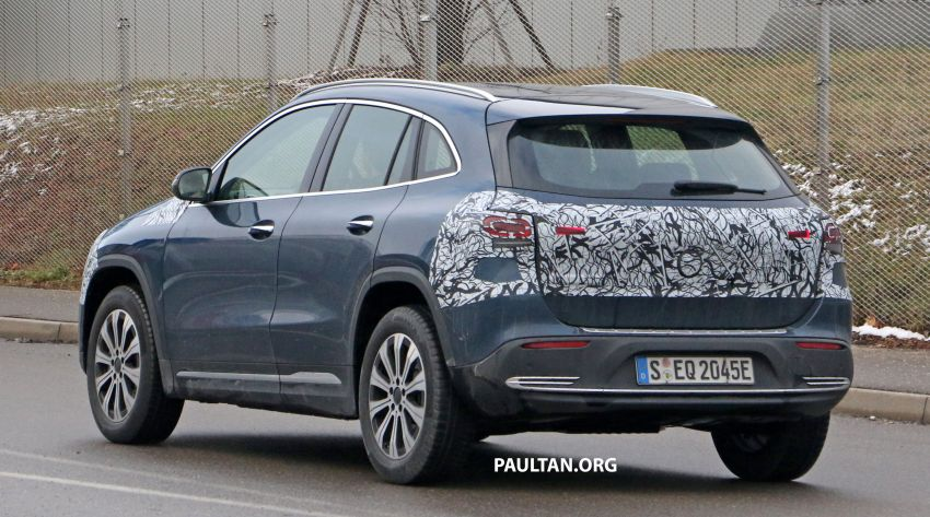 SPYSHOTS: Mercedes-Benz EQA seen with less camo Image #1234614