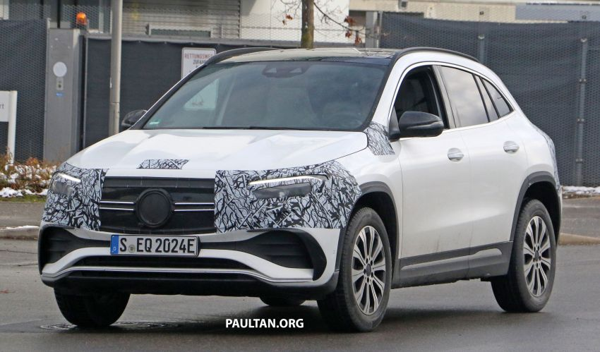 SPYSHOTS: Mercedes-Benz EQA seen with less camo Image #1234587