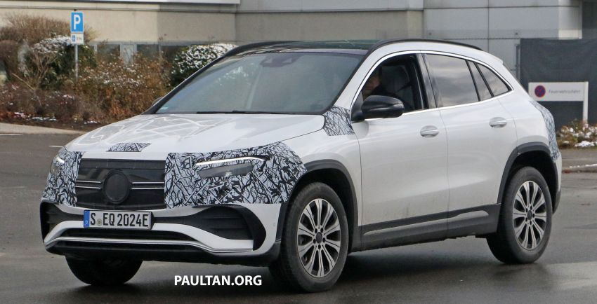 SPYSHOTS: Mercedes-Benz EQA seen with less camo Image #1234589