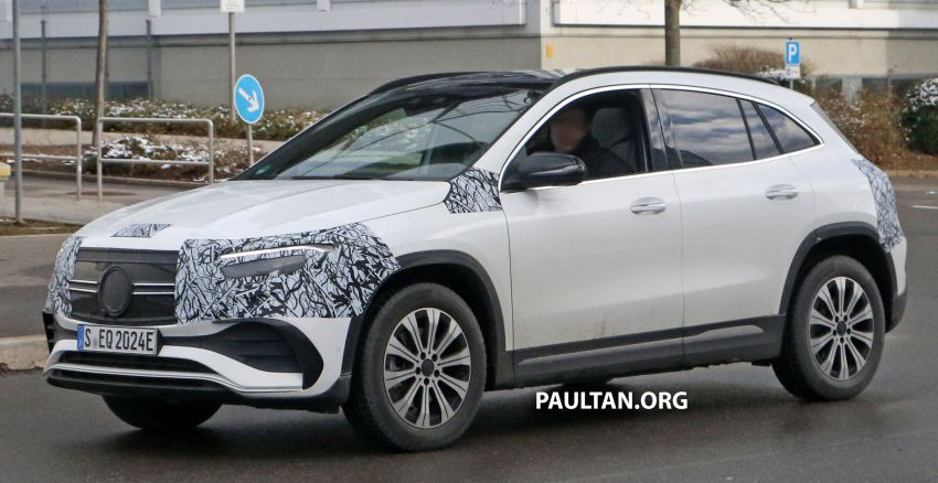 SPYSHOTS: Mercedes-Benz EQA seen with less camo Image #1234591
