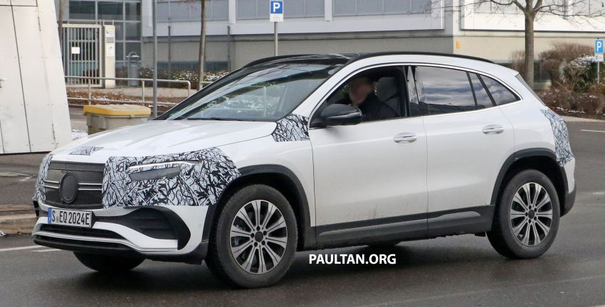 SPYSHOTS: Mercedes-Benz EQA seen with less camo Image #1234592