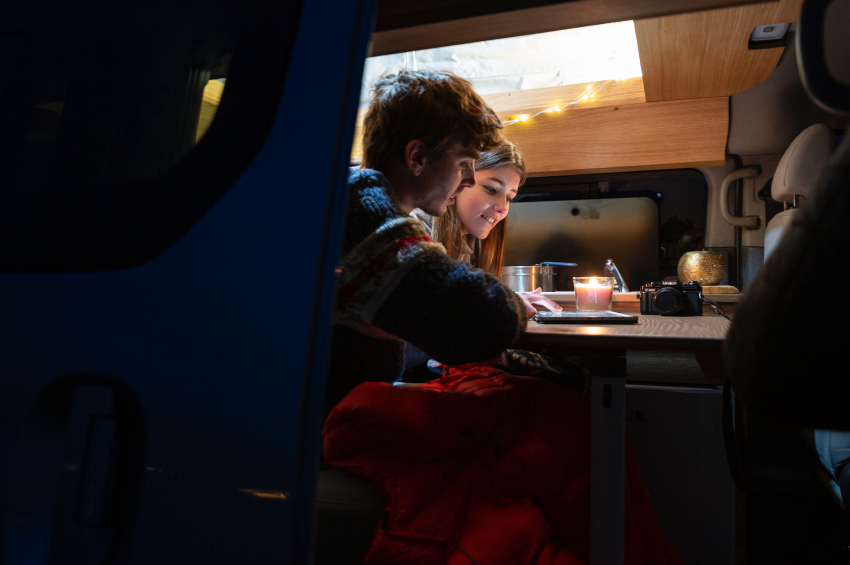 Nissan e-NV200 Winter Camper concept turns electric van into off-road motorhome with kitchen and beds Image #1238027