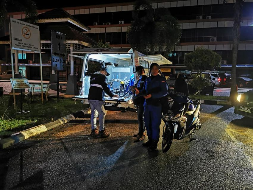 Petronas deploys ROVR pick-up trucks to flood-hit Temerloh – two locations in town, till January 15 Image #1233377