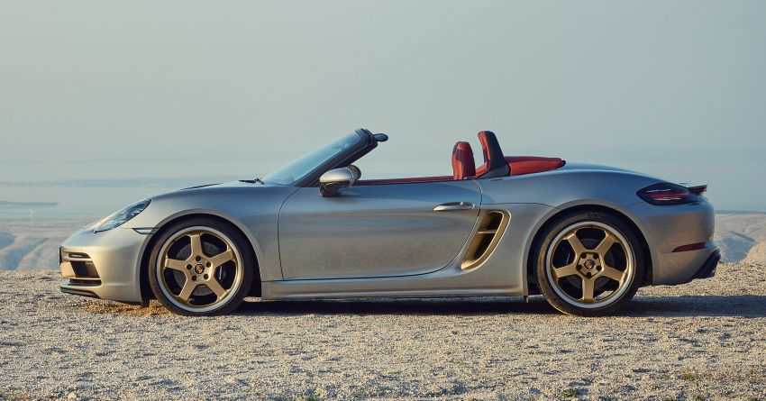 Porsche Boxster 25 Years revealed as tribute model – based on 718 Boxster GTS 4.0, limited to 1,250 units Image #1234273