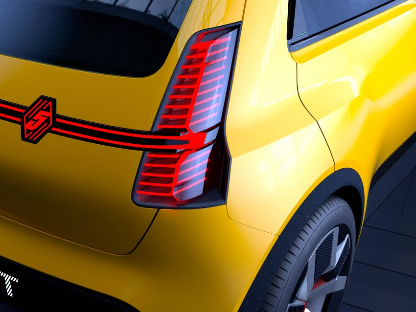 New Renault 5 Prototype – classic hatch returns as EV Image #1235085