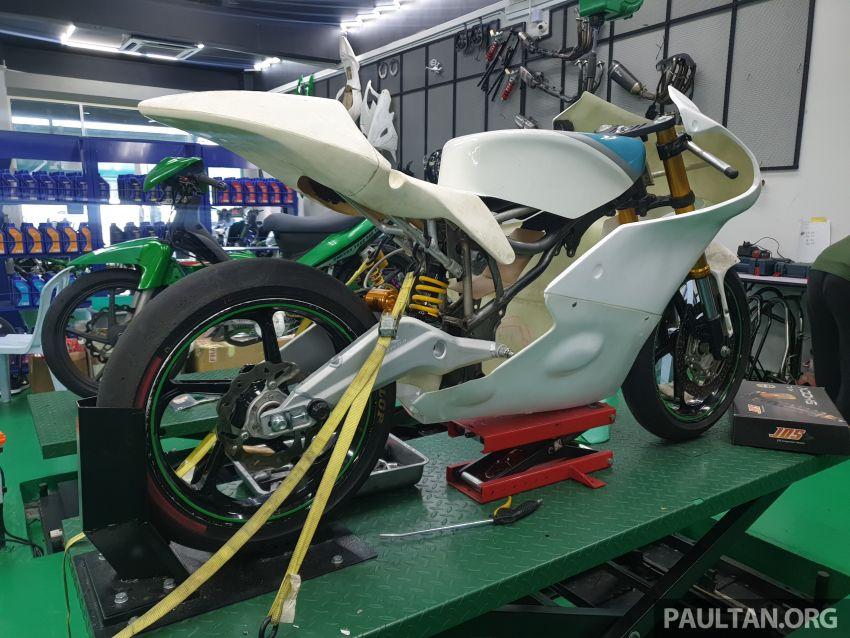 TKKR Racing's Moto 3 Y15ZR prototype takes shape Image #1232845