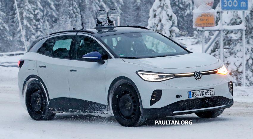SPIED: Volkswagen ID.4 GTX runs cold-weather tests Image #1231846