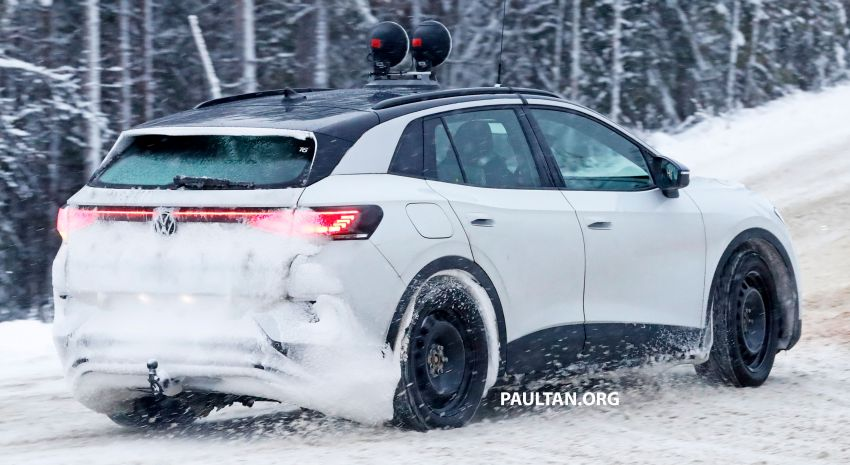 SPIED: Volkswagen ID.4 GTX runs cold-weather tests Image #1231850