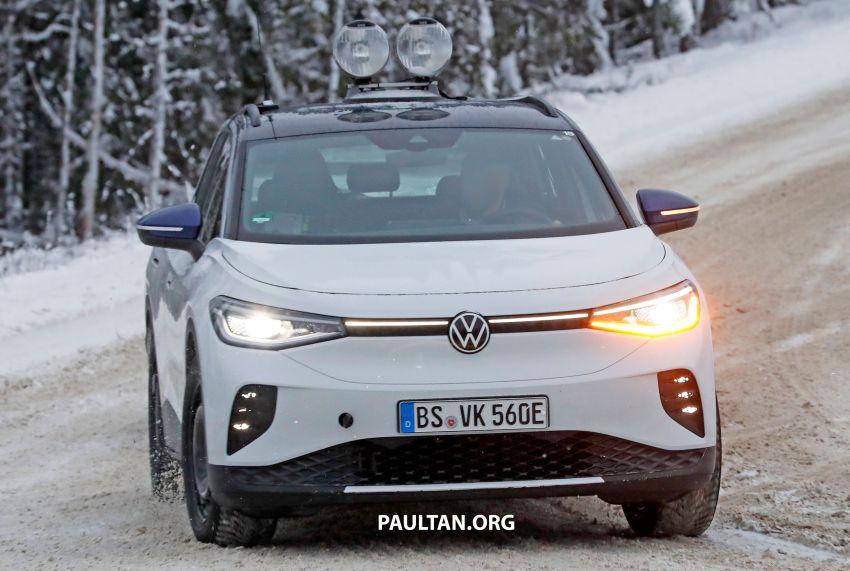 SPIED: Volkswagen ID.4 GTX runs cold-weather tests Image #1231838