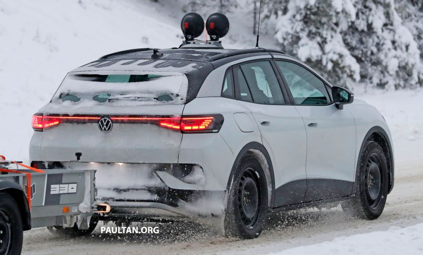 SPIED: Volkswagen ID.4 GTX runs cold-weather tests Image #1231843
