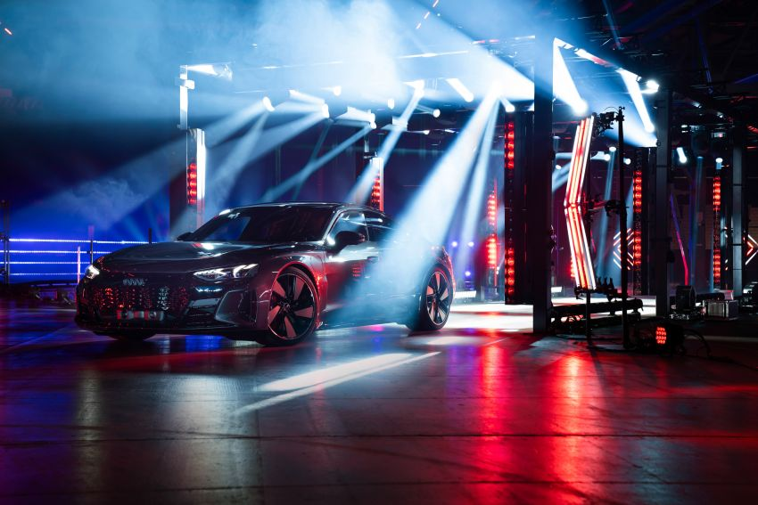 2021 Audi e-tron GT quattro, RS e-tron GT debut – two motors, up to 646 PS, 0-100 in 3.3 secs; 487 km range Image #1246472
