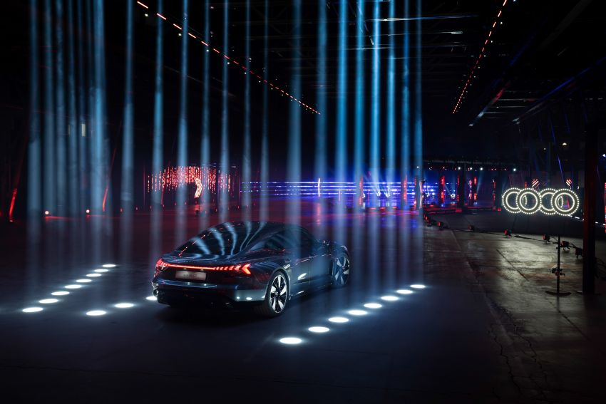 2021 Audi e-tron GT quattro, RS e-tron GT debut – two motors, up to 646 PS, 0-100 in 3.3 secs; 487 km range Image #1246475