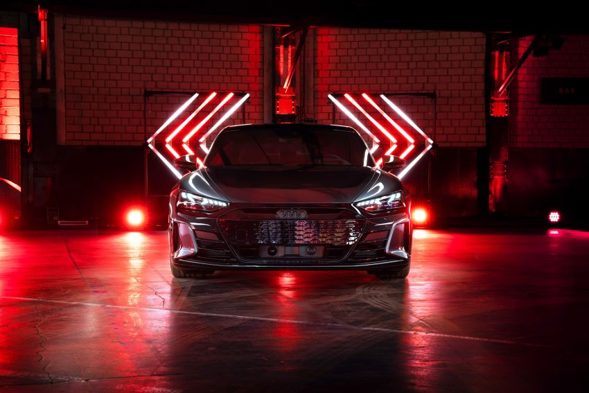2021 Audi e-tron GT quattro, RS e-tron GT debut – two motors, up to 646 PS, 0-100 in 3.3 secs; 487 km range Image #1246476