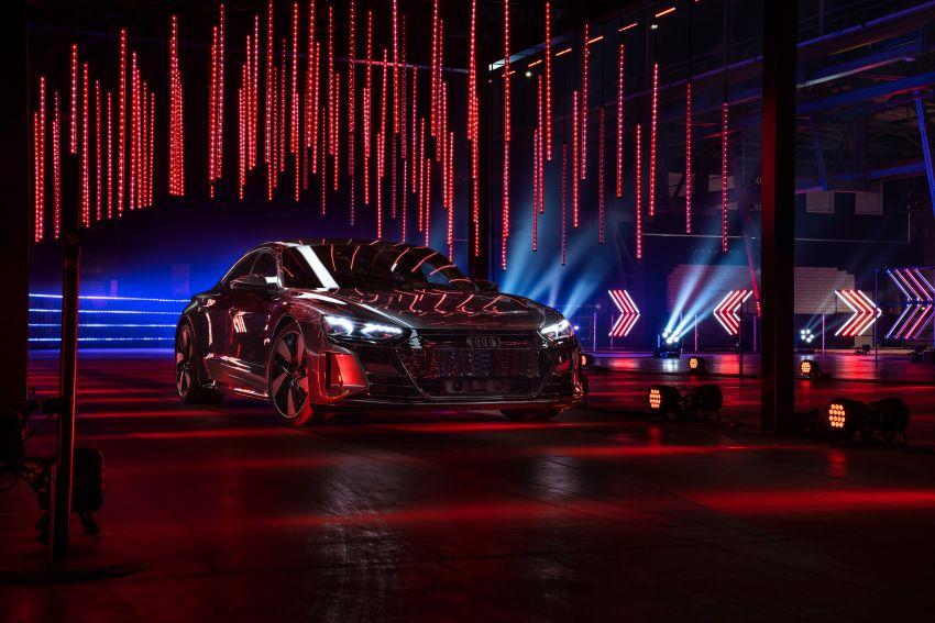 2021 Audi e-tron GT quattro, RS e-tron GT debut – two motors, up to 646 PS, 0-100 in 3.3 secs; 487 km range Image #1246477