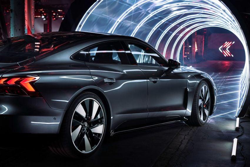 2021 Audi e-tron GT quattro, RS e-tron GT debut – two motors, up to 646 PS, 0-100 in 3.3 secs; 487 km range Image #1246485