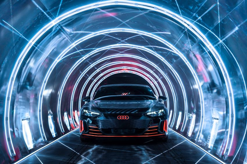 2021 Audi e-tron GT quattro, RS e-tron GT debut – two motors, up to 646 PS, 0-100 in 3.3 secs; 487 km range Image #1246487