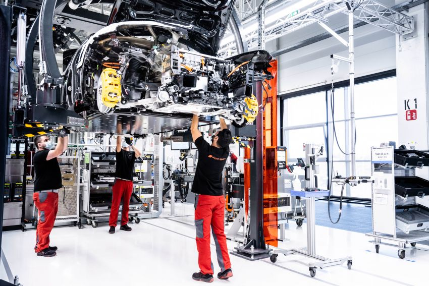 2021 Audi e-tron GT quattro, RS e-tron GT debut – two motors, up to 646 PS, 0-100 in 3.3 secs; 487 km range Image #1246689