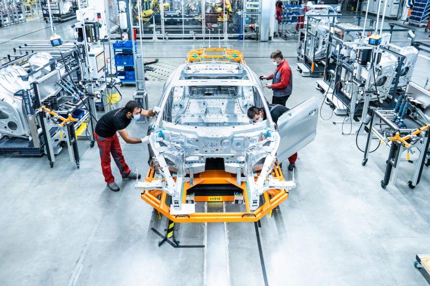 2021 Audi e-tron GT quattro, RS e-tron GT debut – two motors, up to 646 PS, 0-100 in 3.3 secs; 487 km range Image #1246697
