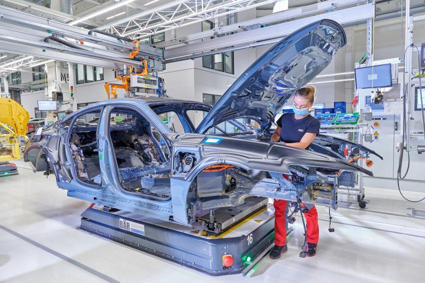 2021 Audi e-tron GT quattro, RS e-tron GT debut – two motors, up to 646 PS, 0-100 in 3.3 secs; 487 km range Image #1246714