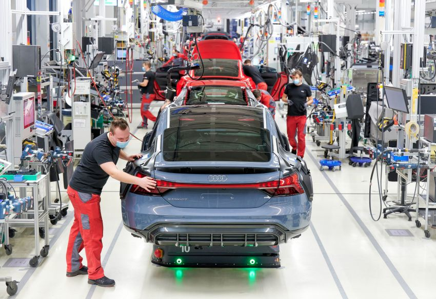 2021 Audi e-tron GT quattro, RS e-tron GT debut – two motors, up to 646 PS, 0-100 in 3.3 secs; 487 km range Image #1246727
