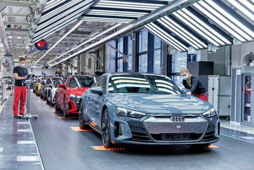 2021 Audi e-tron GT quattro, RS e-tron GT debut – two motors, up to 646 PS, 0-100 in 3.3 secs; 487 km range Image #1246731