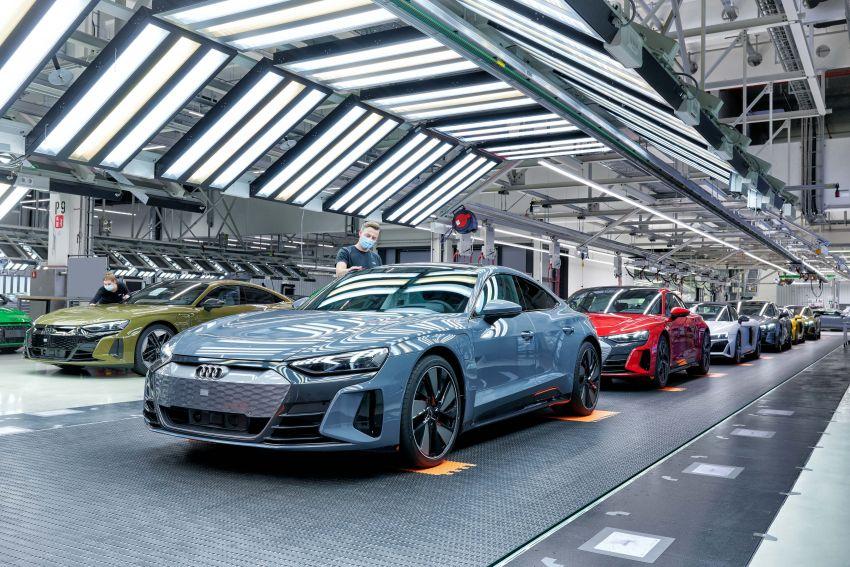 2021 Audi e-tron GT quattro, RS e-tron GT debut – two motors, up to 646 PS, 0-100 in 3.3 secs; 487 km range Image #1246732
