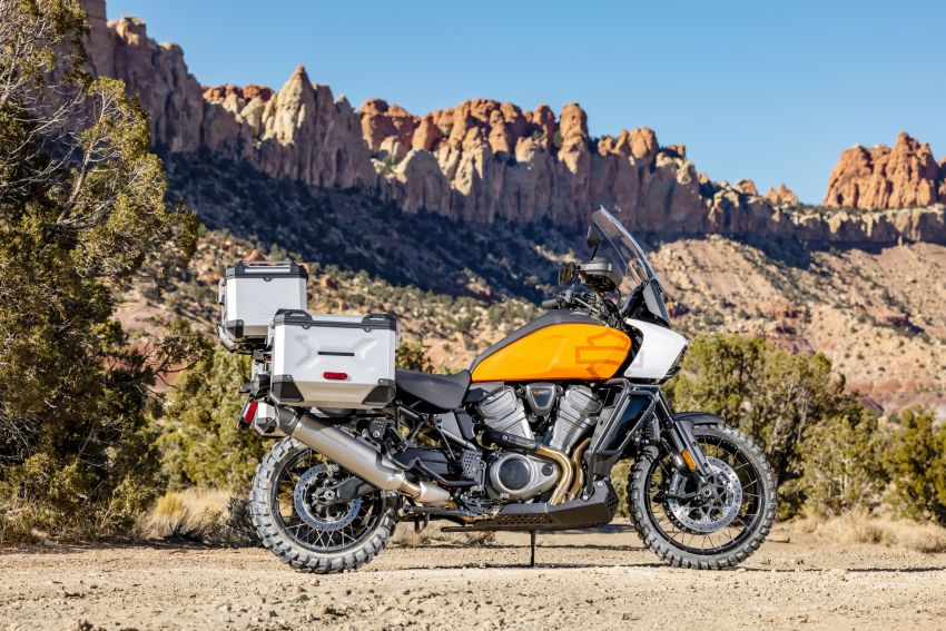 2021 Harley-Davidson Pan America 1250 adventure-tourer – will the road less traveled be enough? Image #1252150