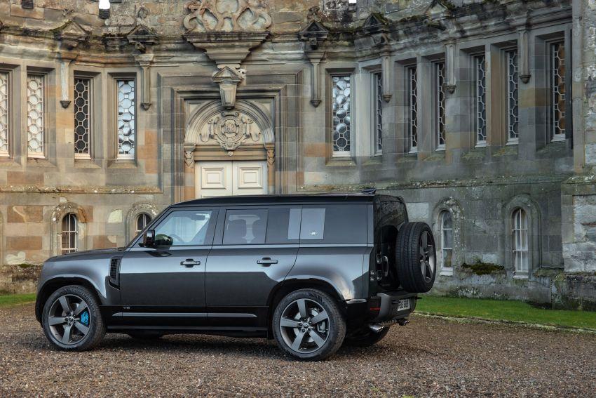 2022 Land Rover Defender V8 – 525 PS, 625 Nm; model range gets optional 11.4-inch touchscreen upgrade Image #1253685