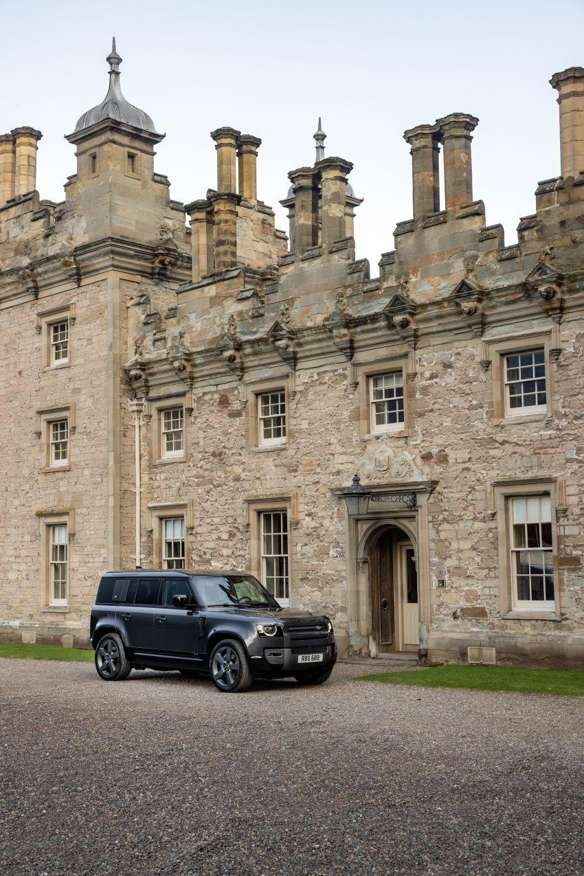 2022 Land Rover Defender V8 – 525 PS, 625 Nm; model range gets optional 11.4-inch touchscreen upgrade Image #1253678