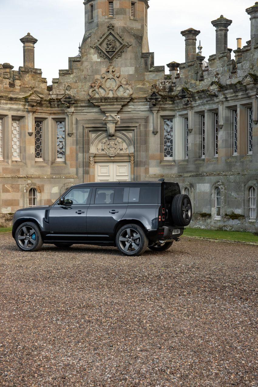 2022 Land Rover Defender V8 – 525 PS, 625 Nm; model range gets optional 11.4-inch touchscreen upgrade Image #1253677