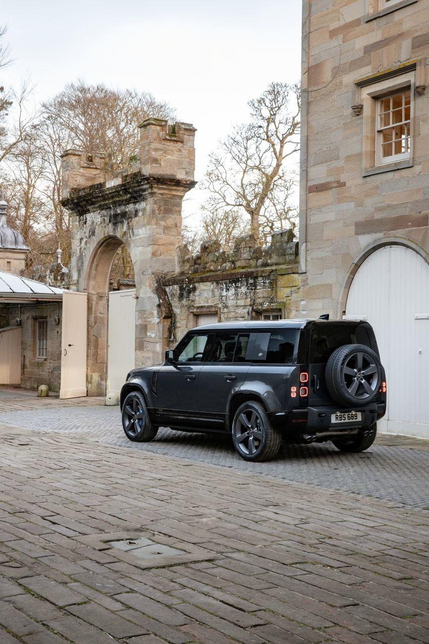 2022 Land Rover Defender V8 – 525 PS, 625 Nm; model range gets optional 11.4-inch touchscreen upgrade Image #1253674