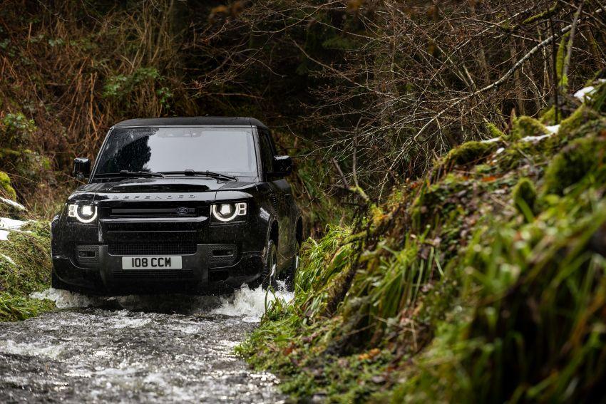 2022 Land Rover Defender V8 – 525 PS, 625 Nm; model range gets optional 11.4-inch touchscreen upgrade Image #1253695