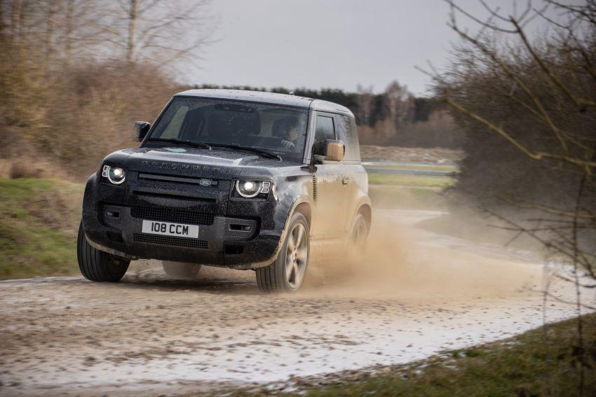 2022 Land Rover Defender V8 – 525 PS, 625 Nm; model range gets optional 11.4-inch touchscreen upgrade Image #1253697
