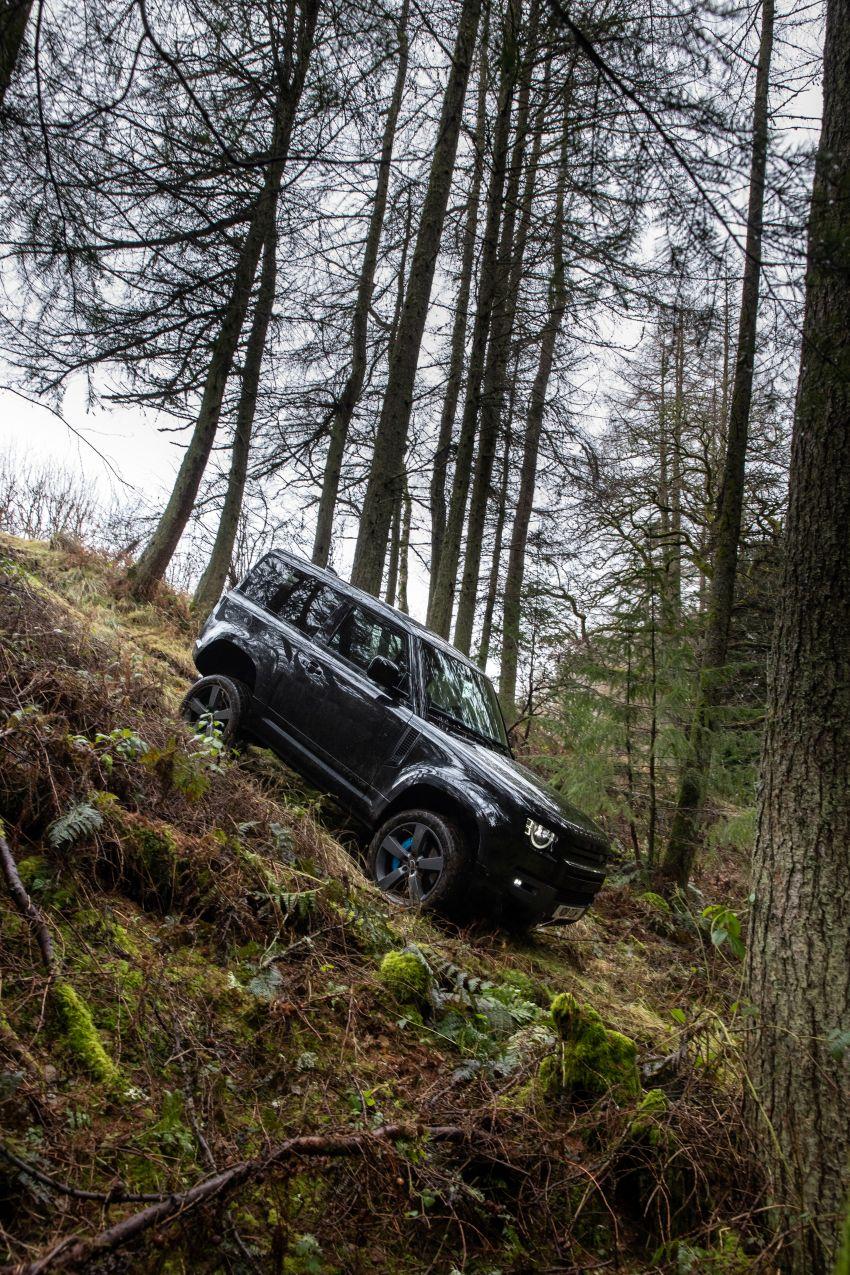 2022 Land Rover Defender V8 – 525 PS, 625 Nm; model range gets optional 11.4-inch touchscreen upgrade Image #1253703