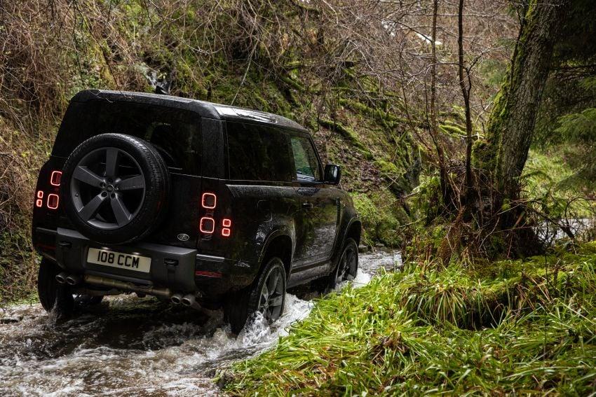 2022 Land Rover Defender V8 – 525 PS, 625 Nm; model range gets optional 11.4-inch touchscreen upgrade Image #1253707