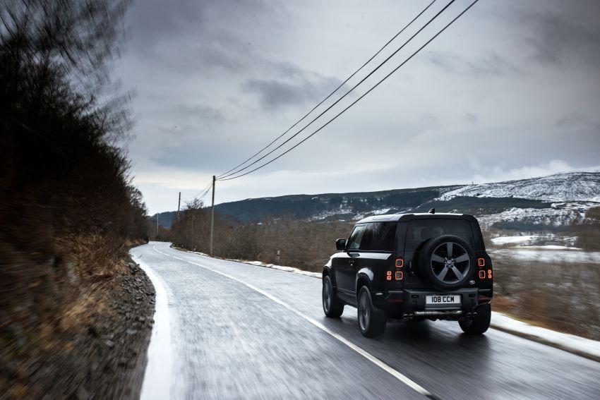 2022 Land Rover Defender V8 – 525 PS, 625 Nm; model range gets optional 11.4-inch touchscreen upgrade Image #1253717