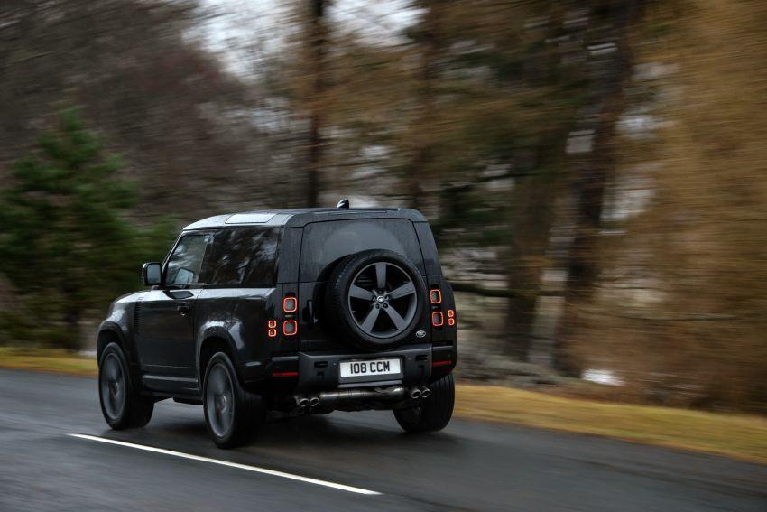 2022 Land Rover Defender V8 – 525 PS, 625 Nm; model range gets optional 11.4-inch touchscreen upgrade Image #1253719