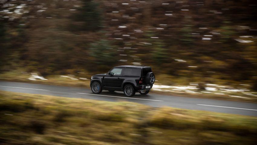 2022 Land Rover Defender V8 – 525 PS, 625 Nm; model range gets optional 11.4-inch touchscreen upgrade Image #1253723
