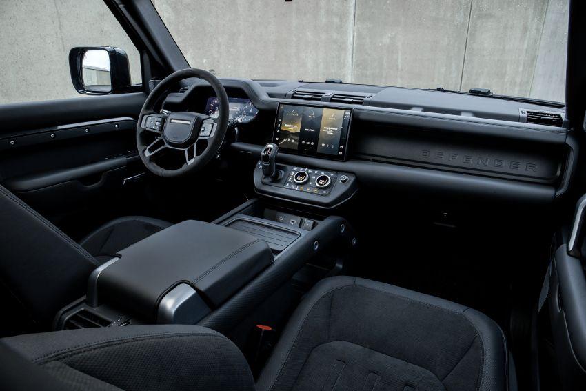 2022 Land Rover Defender V8 – 525 PS, 625 Nm; model range gets optional 11.4-inch touchscreen upgrade Image #1253800