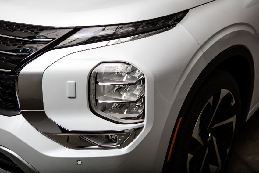 2022 Mitsubishi Outlander unveiled – Engelberg Tourer looks, based on Nissan X-Trail, larger 2.5 litre engine Image #1249017