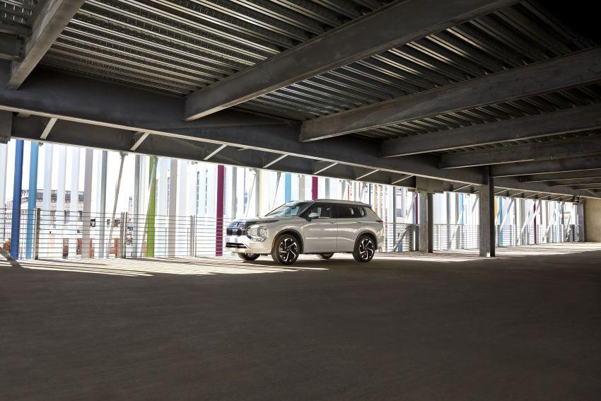 2022 Mitsubishi Outlander unveiled – Engelberg Tourer looks, based on Nissan X-Trail, larger 2.5 litre engine Image #1249025