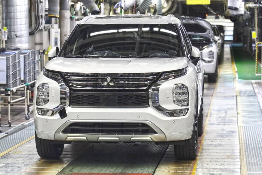 2022 Mitsubishi Outlander unveiled – Engelberg Tourer looks, based on Nissan X-Trail, larger 2.5 litre engine Image #1249056