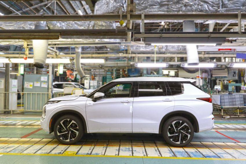 2022 Mitsubishi Outlander unveiled – Engelberg Tourer looks, based on Nissan X-Trail, larger 2.5 litre engine Image #1249057