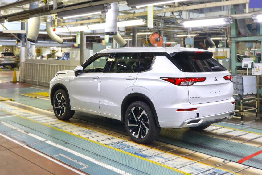 2022 Mitsubishi Outlander unveiled – Engelberg Tourer looks, based on Nissan X-Trail, larger 2.5 litre engine Image #1249058