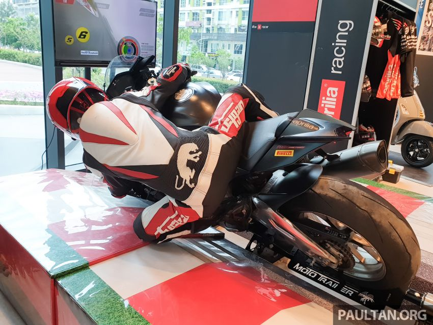 Aprilia Moto Trainer now in Motoplex Malaysia – ride any racetrack in the ultimate motorcycle video game Image #1251242