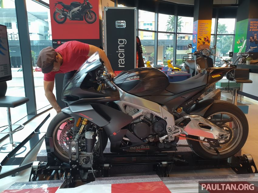 Aprilia Moto Trainer now in Motoplex Malaysia – ride any racetrack in the ultimate motorcycle video game Image #1251238
