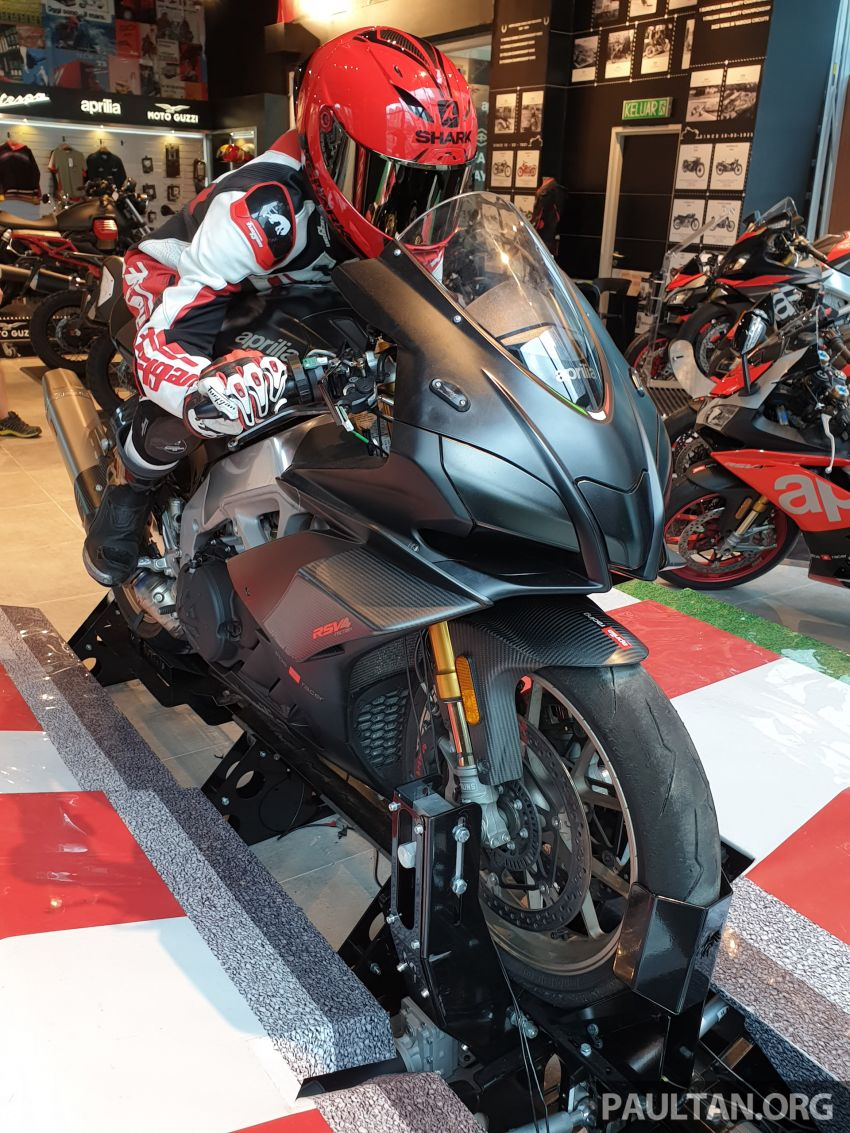 Aprilia Moto Trainer now in Motoplex Malaysia – ride any racetrack in the ultimate motorcycle video game Image #1251244