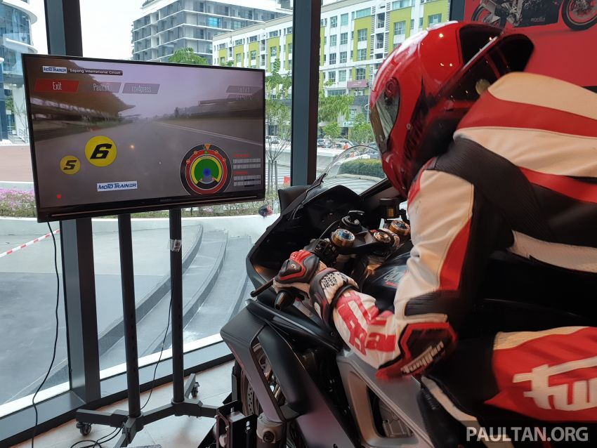 Aprilia Moto Trainer now in Motoplex Malaysia – ride any racetrack in the ultimate motorcycle video game Image #1251246