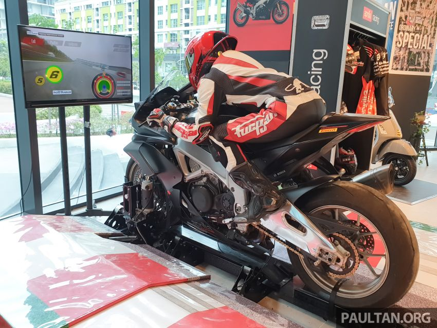 Aprilia Moto Trainer now in Motoplex Malaysia – ride any racetrack in the ultimate motorcycle video game Image #1251247